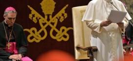 "Papa Francisco entrega ""regaño navideño"" a burocracia del Vaticano"
